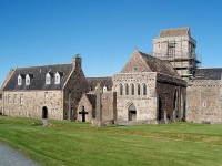 iona-abbey-and-crosses.jpg