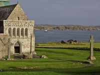 iona-crosses-and-abbey-overlooking-sound.jpg