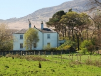 white-house-north-of-craighouse.jpg